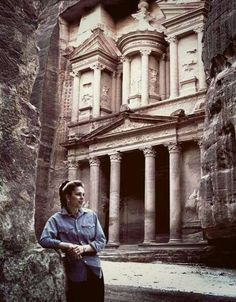 """To good pic with petra , following queen Noor , """"stand in this corner """" , Wellcom to jordan ♡"""