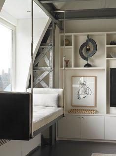 schwebendes Bett im Wohnzimmer