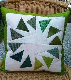 "Kissen ""Geese in a Circle"" Throw Pillows, Sew Pillows, Waiting, Toss Pillows, Cushions, Decorative Pillows, Decor Pillows, Scatter Cushions"