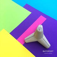 Batorsky loves concrete but also loves colours!  #batorsky #concrete #paperweight