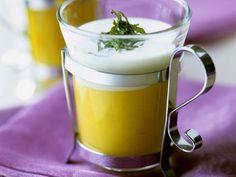Mango-Lassie ist ein Rezept mit frischen Zutaten aus der Kategorie Südfrucht. Probieren Sie dieses und weitere Rezepte von EAT SMARTER!