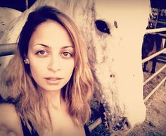How To Take The Perfect Selfie: Tips From Nicole Richie
