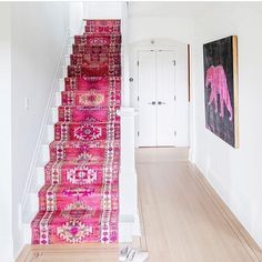 Perhaps the most exciting thing about my ongoing house renovations is the fact that I'm going to have a big, beautiful hallway with BUILT-… Pink Carpet, Carpet Colors, Interior Design Trends, Interior Inspiration, Design Entrée, House Design, Foyer Design, Staircase Design, Staircase Runner