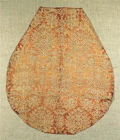 Late 1500's European: rust-beige silk-linen damask fabric.  (Halbseidendamast  Europa, Ende 16. Jahrhundert  Kunstgewerbemuseum)
