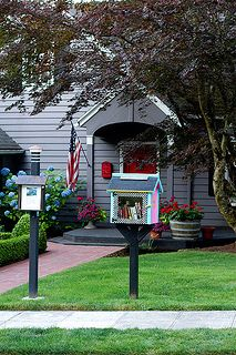 Front Yard Little Free Library. This is so cute and I would absolutely do this in a neighborhood full of kids!!