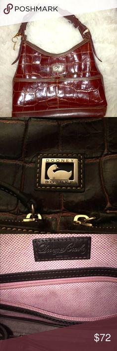 Alligator Dooney & Bourke Handbag Authentic Dooney & Bourke handbag with such a vintage look. It's so pretty. Dooney & Bourke Bags Shoulder Bags