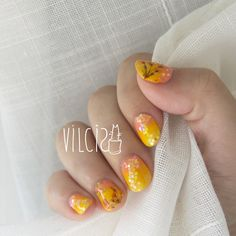 Natural dry flower on your nails, by Vilcis. Diseño de uñas con flores naturales secas, de Vilcis.