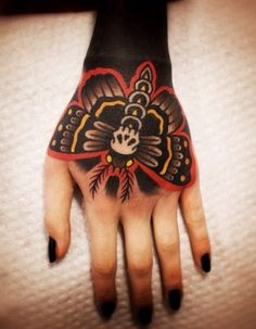 Old school butterfly tattoo on knuckles hand tattoos, skull hand tattoo, hand tattoo frau Hand Tattoos, Skull Hand Tattoo, Arm Tattoo, Body Art Tattoos, New Tattoos, Sleeve Tattoos, Cool Tattoos, Full Body Tattoo, Blackout Tattoo