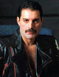 Freddie Mercury and Queen - Фредди Меркури и группа Queen (Big Photo Pack) фото) Queen Freddie Mercury, John Deacon, Coachella, Freddie Mercuri, Le Colorado, King Of Queens, Roger Taylor, Queen Love, Queen Queen