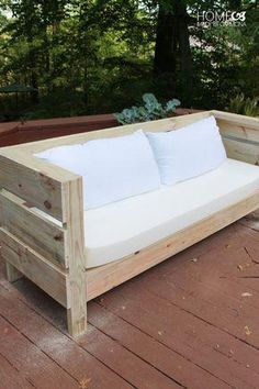 Pallet Outdoor Furniture Outdoor DIY Sofa Build Plans - Learn how to build this styling outdoor furniture, including a full sized outdoor sofa, and a bench/coffee table. It is an easy build with free plans! Outdoor Furniture Plans, Diy Garden Furniture, Pallet Furniture, Furniture Making, Furniture Design, Furniture Ideas, Pallet Sofa, Porch Furniture, Patio Plans