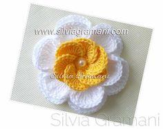 Silvia Gramani Crochet: flor de ganchillo