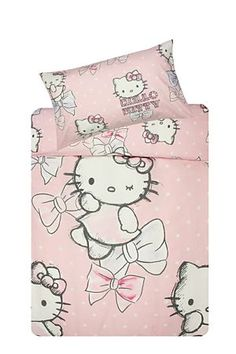 Make sleep time fun with this Hello Kitty ribbon duvet cover set made from a 132 thread count polycotton. Single and three quarter include 1 standard pillowcase, double includes 2 standard pillowcases.