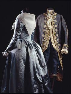 'Robe à l'anglaise', c. 1785-1795. Blue silk satin. Scarf in white cotton muslin.    'Habit à la française', three-piece set of coat, waistcoat and breeches, c. 1785-1795