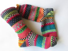 Colorful socks size – knitted socks in Nordic Fair Isle patterns – socken stricken Knitting Socks, Hand Knitting, Knitting Patterns, Colorful Socks, Colourful Outfits, Outfit Des Tages, Take Off Your Shoes, Fair Isle Pattern, Lang Yarns