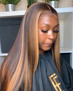Custom Virgin Human Hair Lace Front Wigs Straight Brown With Blonde Highlights in Front - Cabello Rubio Pretty Hairstyles, Wig Hairstyles, Straight Hairstyles, Hairstyles Videos, Blonde Weave Hairstyles, Colored Weave Hairstyles, Frontal Hairstyles, Black Women Hairstyles, Bob Hairstyle