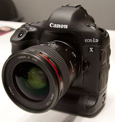 A good article on the new Canon Looks exciting for the pro's out there. Might be in my price range on the used market in about ten to fifteen years. Best Camera For Photography, Shutter Speed Photography, Camera Photography, Photography Business, Photography Lessons, Couple Photography, Canon Ef Lenses, Canon Dslr, Canon Eos