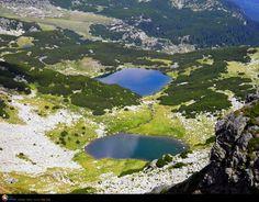 Calcescu Lake - ROMANIA Beautiful Places To Visit, How Beautiful, Visit Romania, Tiana, Beautiful Landscapes, Trekking, Heaven, Sky, Mountains