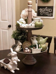 DIY Easter Decorations ideas are amazing. Get best Easter decor ideas & easy Easter decorating tips here, including Easter decorations for home & Easter DIY Diy Osterschmuck, Diy Easter Decorations, Winter Decorations, Tiered Stand, Rustic Farmhouse Decor, Farmhouse Ideas, Easter Party, Spring Home, Tray Decor