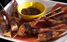 Grilled BBQ bacon prawns by Sunny Anderson (Bacon, Prawn) @FoodNetwork_UK