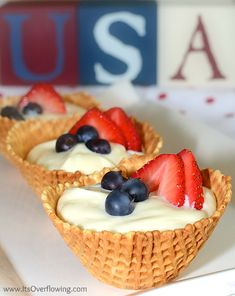 Patriotic Cheesecake In Waffle Bowl – Best Fast Healthy July Holiday Food Dessert - Homemade Ideas Blue Desserts, Just Desserts, Delicious Desserts, Yummy Food, Sweet Desserts, Cheesecake Tarts, Simple Cheesecake, Blueberry Cheesecake, Tart Recipes