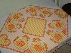 Gallinitas bellas en bordado español para mi cocina - See this image on Photobucket.
