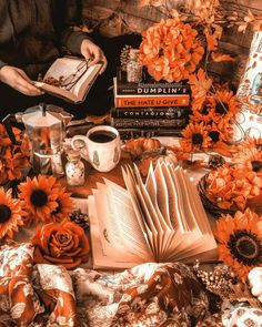 Halloween Season, Halloween House, Fall Halloween, Photos Tumblr, Autumn Aesthetic, Orange Aesthetic, Thanksgiving Wallpaper, Photo D Art, Fall Wallpaper