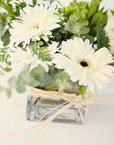 WeddingChannel Galleries: White Daisy Centerpiece