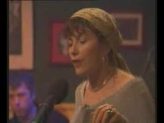 ▶ Dervish - An t-Úll (Cathy Jordan performing in a pub) - YouTube