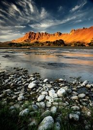 Te Mata Peak from Tuki Tuki River.Near Hastings, North Island, New Zealand. The Beautiful Country, Beautiful World, Beautiful Places, New Zealand North, New Zealand Travel, Famous Places, South Island, Travel Images, Nature Pictures