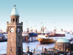 'Hamburger Hafen - Landungsbrücken Pegelturm' von Dirk h. Wendt bei artflakes.com als Poster oder Kunstdruck $18.03