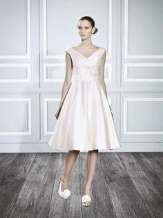 Po kotníky Retro inspirace Výstřih do V Svatební šaty 2015