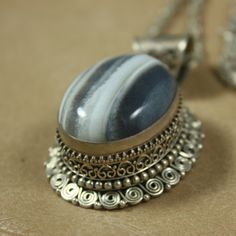 Amazing Agate and Sterling Silver Pendant and Chain. $68.00 SOLD!