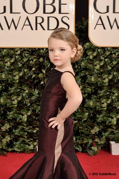 Hilariously Strange Kid Versions Of Celebrities At The Golden Globes. I LOVE the mini T.Swift!