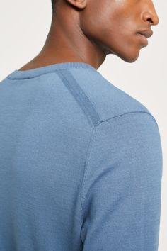 Cotton Fine Knit Sweater Winter Sweater Outfits, Winter Outfits Men, Summer Sweaters, Sweater Fashion, Cotton Sweater, Men Sweater, Pullover Designs, Summer Knitting, Lana