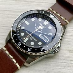 In some cases part of that image is the quantity of money you invested to use a watch with a name like Rolex on it; it is no secret how much watches like that can cost. Best Watches For Men, Fine Watches, Cool Watches, Cheap Watches, Stylish Watches, Casual Watches, Luxury Watches, Elegant Watches, Seiko Automatic Watches
