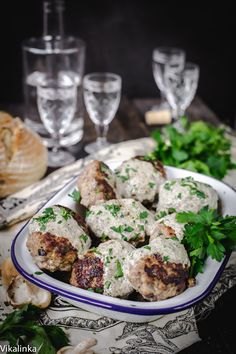 These juicy and flavourful meat patties jazzed with creamy wild mushroom sauce is the epitome of comfort food!