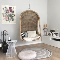 Home Page - Rinske interieurstyling Hanging Chair, Furniture, Blog, Home Decor, Hammock Chair, Decoration Home, Room Decor, Home Furnishings, Arredamento