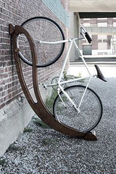Peri bike rack in light or dark wood