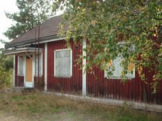 Maskun rautatieasema on virallisesti vain seisake Beautiful Buildings, Old Houses, Finland, Shed, Around The Worlds, Outdoor Structures, Plants, Old Homes, Lean To Shed