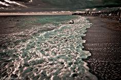 Sunrise Foam @ Vama Veche beach by RaymondRis