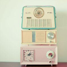 |Interior DESIGN| Retro radios.
