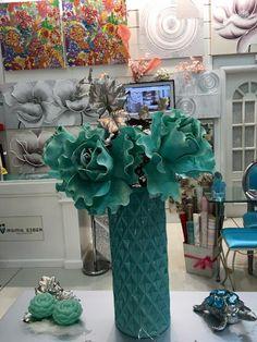 jarrones con flores en www.virginia-esber.es