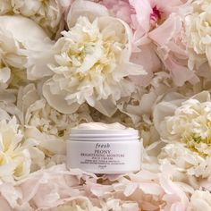 Peony Brightening Moisture Face Cream is a multi-tasking moisturizer that brightens, hydrates, and provides antipollution protection for luminous, younger-looking skin. Skin Peeling On Face, Scaly Skin, Moisturizer With Spf, Younger Looking Skin, Clean Face, Skin Problems, Skin Care, Peony, Face Creams