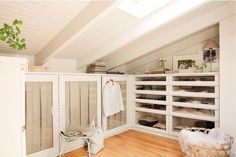 Vicky's Home: Una buhardilla llena de encanto. / An attic full of charm.