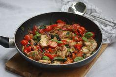 Kremet kyllingform med pesto og bacon – familiens favoritt!