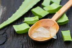 Aloe vera can benefit your hair and scalp, and some have experienced hair growth. This is a guide about using aloe vera for hair regrowth. Aloe E Vera, Aloe Vera For Skin, Aloe Vera Gel For Hair Growth, Plantar Aloe Vera, Oil Cleansing, Home Remedies, Natural Remedies, Piles Remedies, Hemorrhoid Relief