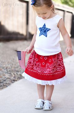 Make a Bandana Girls Skirt - change the color of the bandana for any time of year!