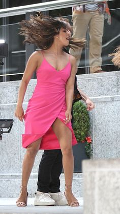 Priyanka Chopra - On set of 'Isn't It Romantic' in New York City Priyanka Chopra Wallpaper, Priyanka Chopra Images, Actress Priyanka Chopra, Priyanka Chopra Hot, Tamil Actress, Bollywood Actress Hot Photos, Bollywood Girls, Beautiful Bollywood Actress, Beautiful Indian Actress
