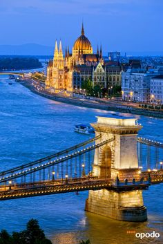 Welcome to #Budapest: http://opo.do/BLbb #Hungary #Ungarn #Danube #Donau #Kettenbrücke #reisen #travel