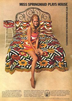 Playing Psychedelic House - Home Decor Vintage Advertisements, Vintage Ads, 1960s Interior, Feelin Groovy, Vintage Sheets, Vintage Bedding, Pillowcase Pattern, Twist And Shout, House Design Photos
